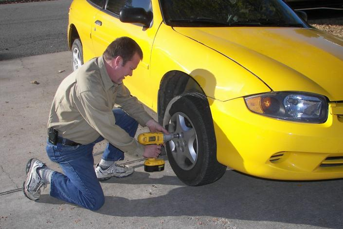Stranded with a flat tire? Call Davenport's Locksmith & Roadside Service at 870.239.5803